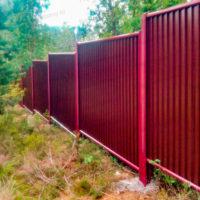 Забор в рамке из профлиста